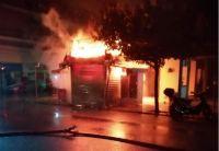 Τρίκαλα: Κάηκε ολοσχερώς περίπτερο στην Ασκληπιού